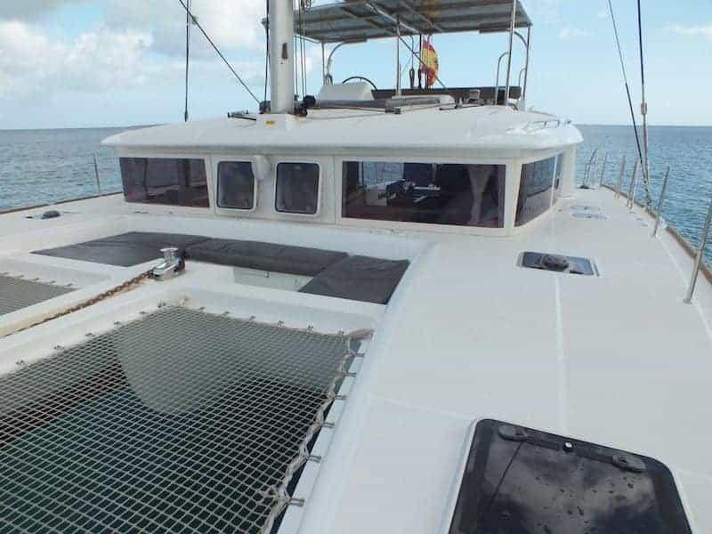Cubierta del catamarán