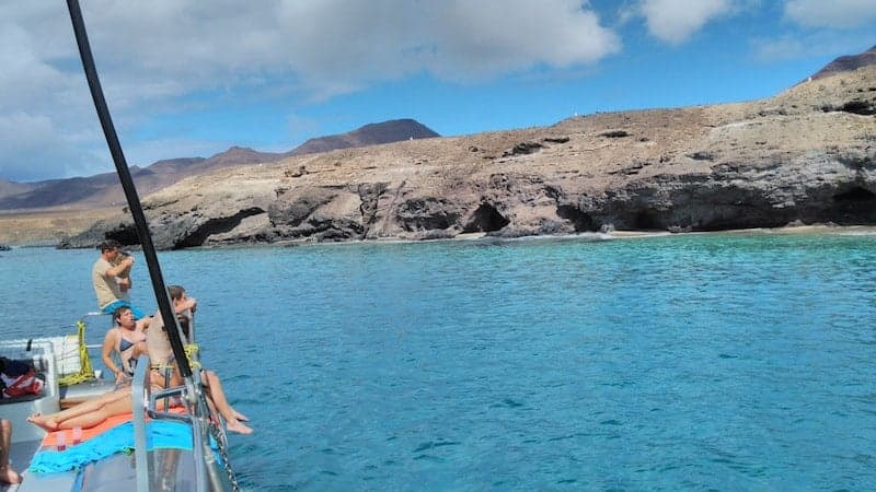 Costa de Fuerteventura desde el catamarán