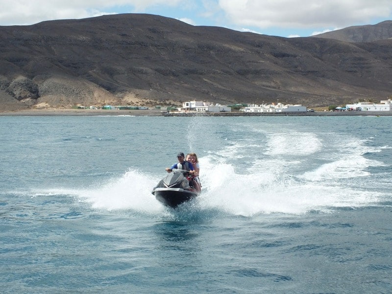 Montar en moto de agua
